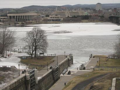 rideau-canal-with-ice
