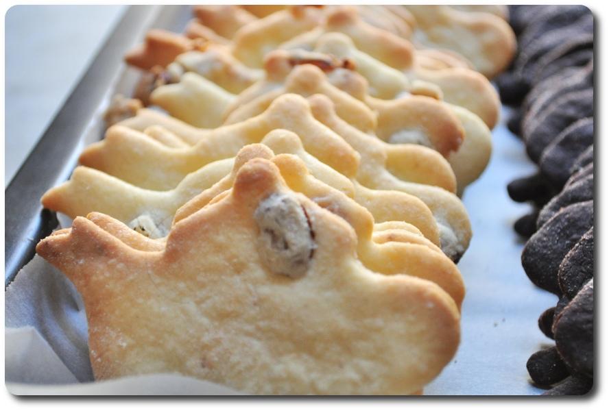 biscotti di pasqua teiere con uvetta
