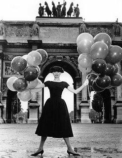 richard+avedon_vintage+balloons+audrey+hepburn_large