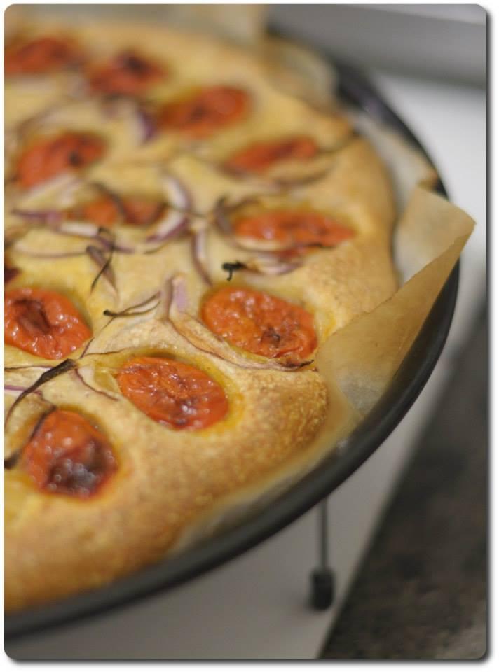 pizza pomodorini cipolla