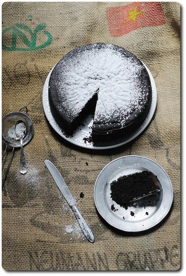 Devil food cake_intera