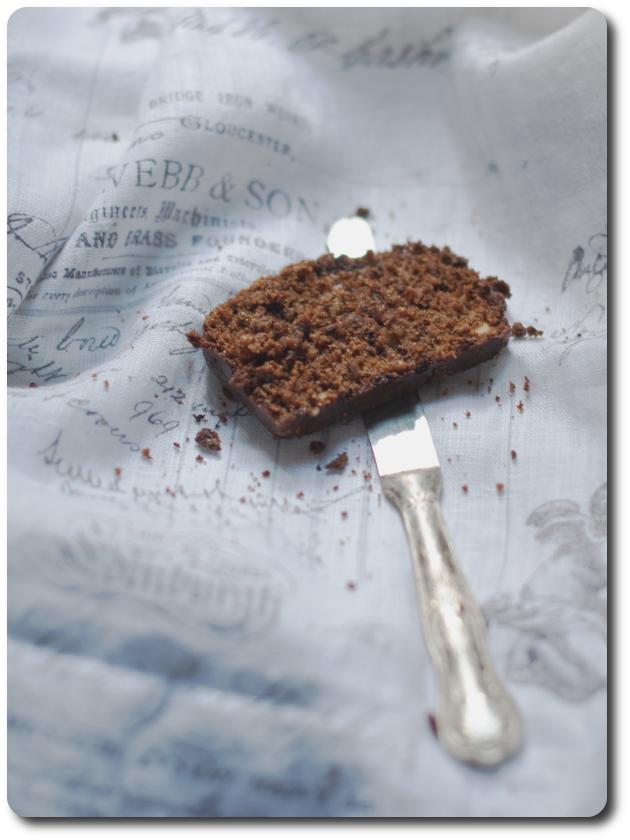 plumcake nocciole cioccolato fetta rdb