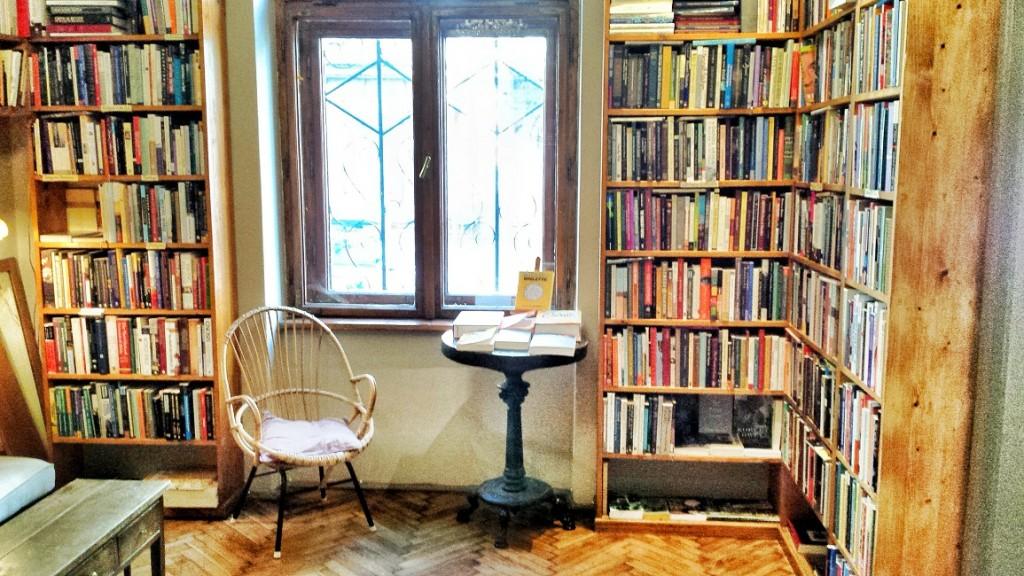massolit books sala cracovia