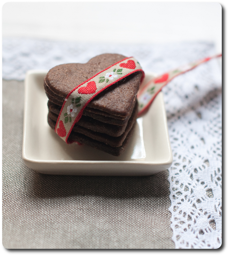 biscotti al cacao e grappa legati