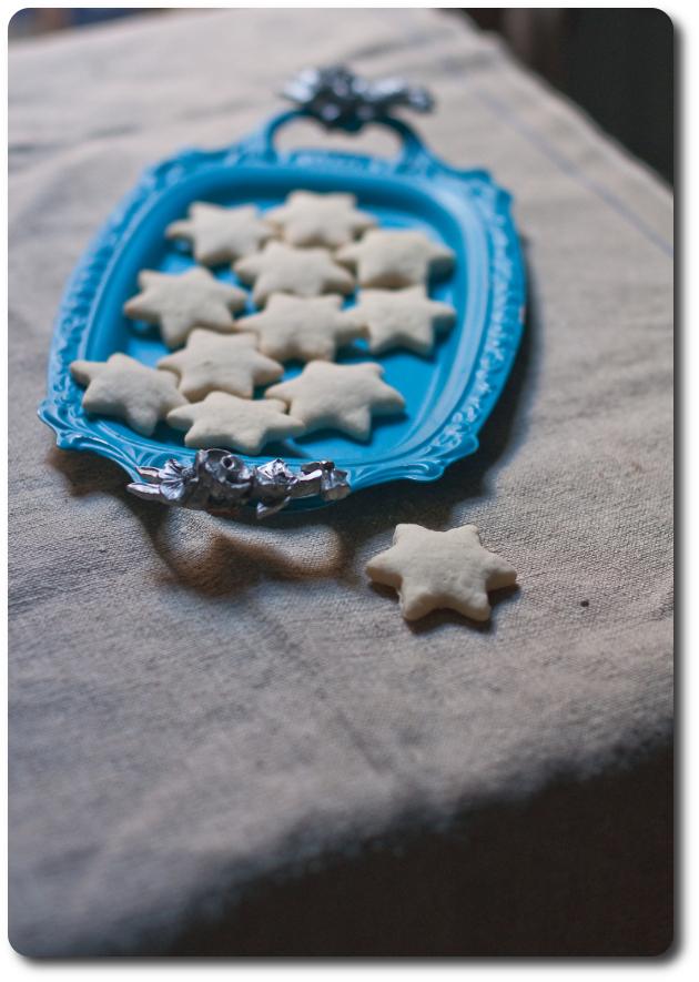 hvite kakemenn biscotti norvegia natale vassoio