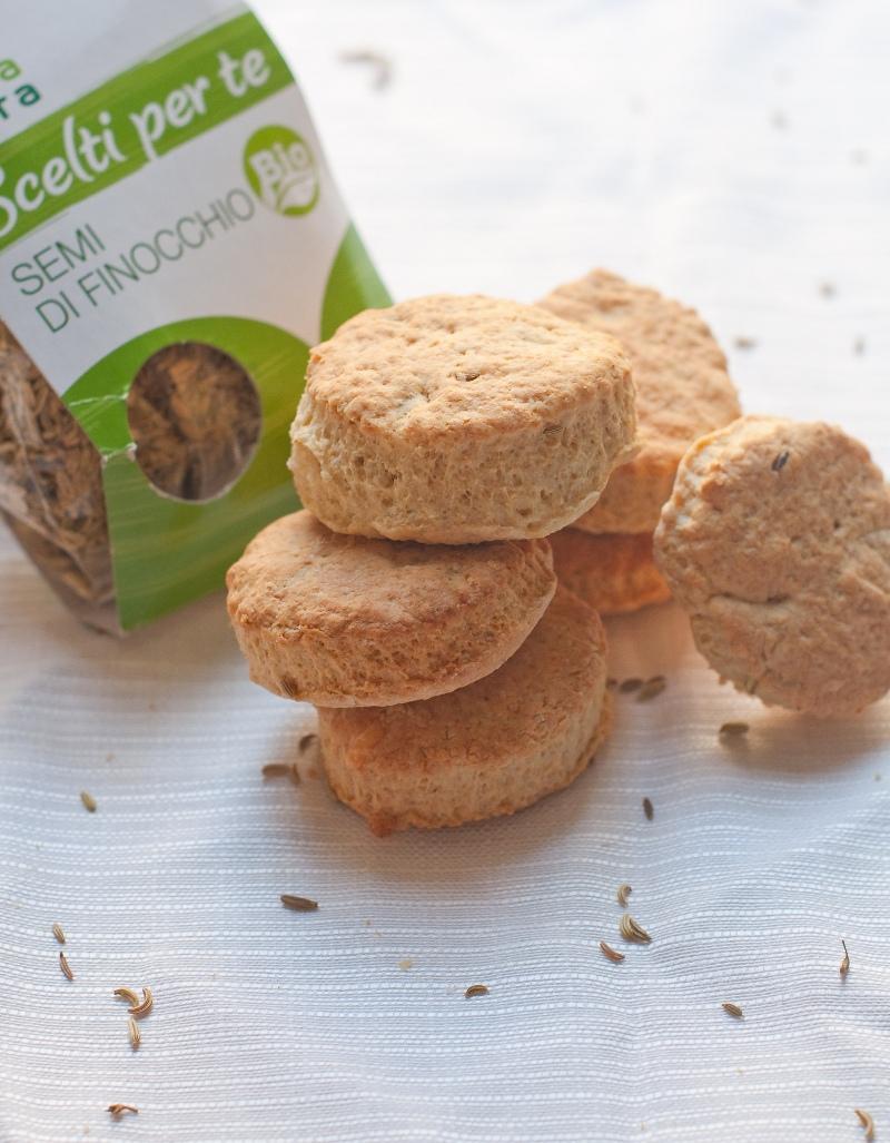 scones con cheddar e semi di finocchio